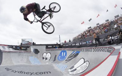 Watch How Layos, Enarson and Edgar Made The Sydney Qualifier Podium